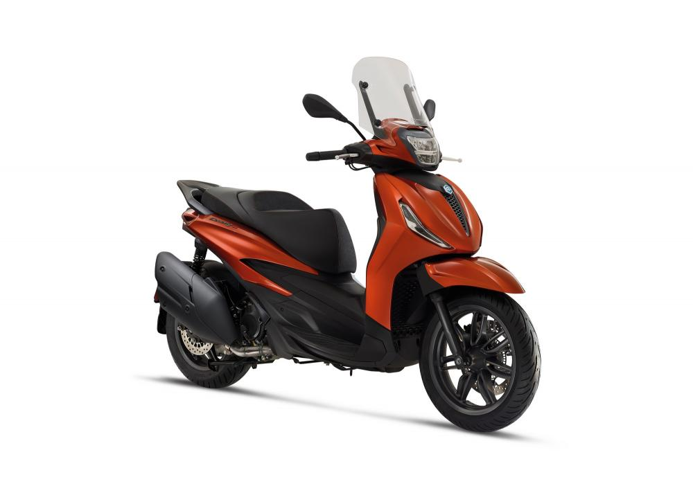 B_01-piaggio-beverly-400-hpe-s-1